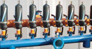 کاربرد فیلتر دیسکی آزود: ۱ – برای استفاده آب های شور یا لب شور ۲ -آب هایی که ناخالصی های آن زیاد است و استفاده از فیلترهای الیافی پیش تصفیه ۵ و ۲۰ اینچ مقرون بصرفه نمی باشد که در این خصوص از فیلتر دیسکی استفاده میکنند . ۳-دارای ایمنی بالا از لحاظ دارا بودن بدنه مقاوم در برابر ترک خوردگی و شکستن ۴- نسبت به پیش تصفیه های دیگر مقدار بیشتری از آلودگی های معلق در آب را فیلتر میکند ۵- راه اندازی و نصب آسان ۶- قابل شتسشو ۷- قیمت مناسب